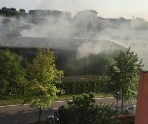 Incendio nella zona industriale